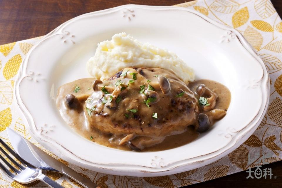 ポルチーニクリーム煮込みハンバーグ(豚ひき肉+玉ねぎを使ったレシピ)
