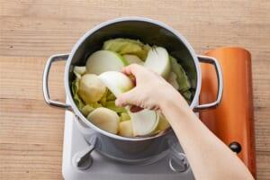 ソーセージとざく切り野菜のポトフの作り方_1_0