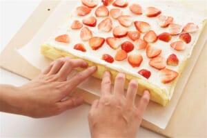 いちごのヨーグルトロールケーキの作り方_11_0