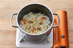 たっぷり野菜のコンソメスープの作り方_1_1
