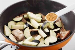 豚肉となすの炒めカレーの作り方_1_1
