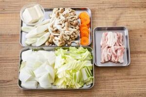 豚肉で作る「コクうま野菜だし鍋」の作り方_0_1