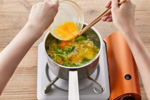 丸鶏ふわ玉レタススープの作り方_1_0
