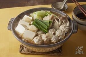 キャベツと鶏団子のあごだし醤油鍋